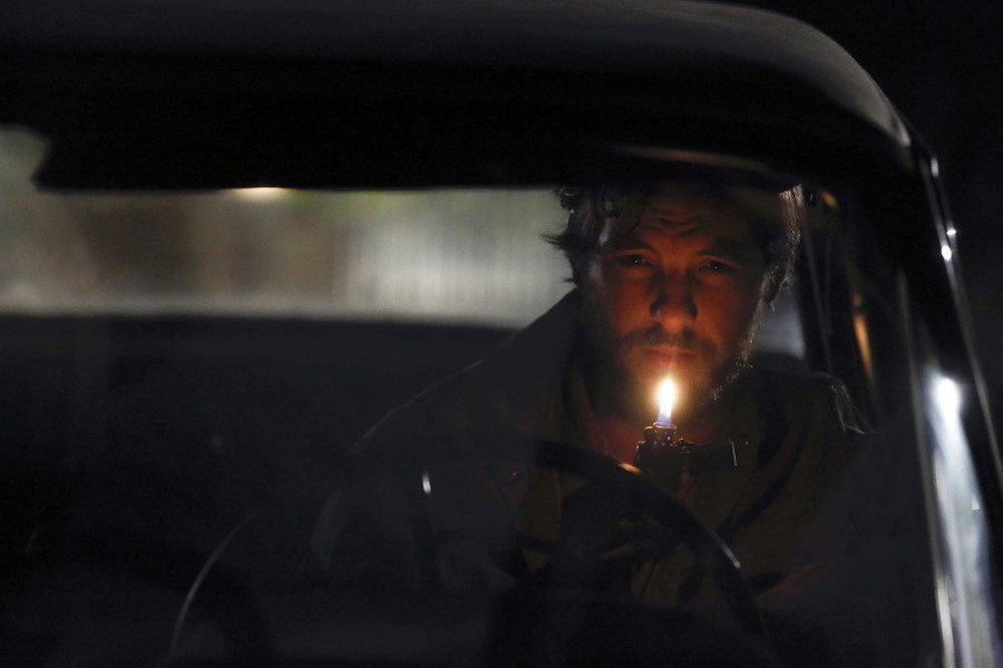 Aquarius: Gethin Anthony interpreta Charles Manson in Everybody's Been Burned