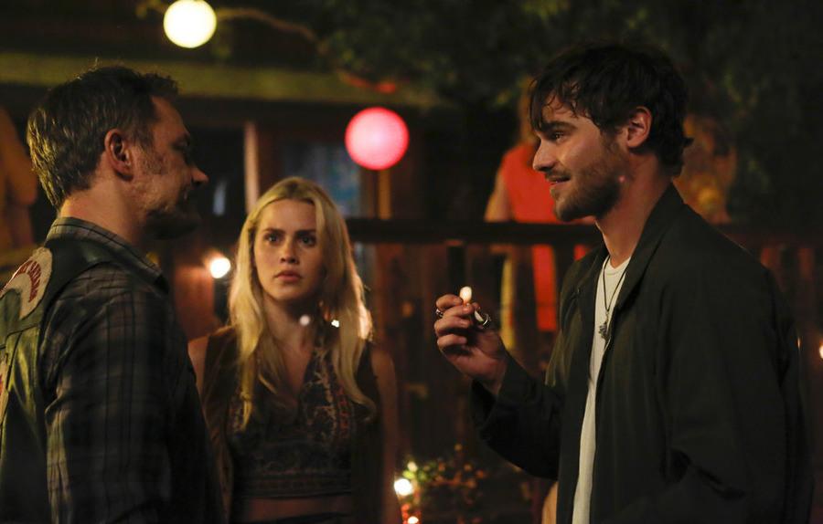 Aquarius:David Meunier, Claire Holt e Grey Damon in Everybody's Been Burned
