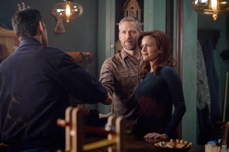 Wayward Pines:  Matt Dillon, Carla Gugino e Reed Diamond nella seconda puntata della serie