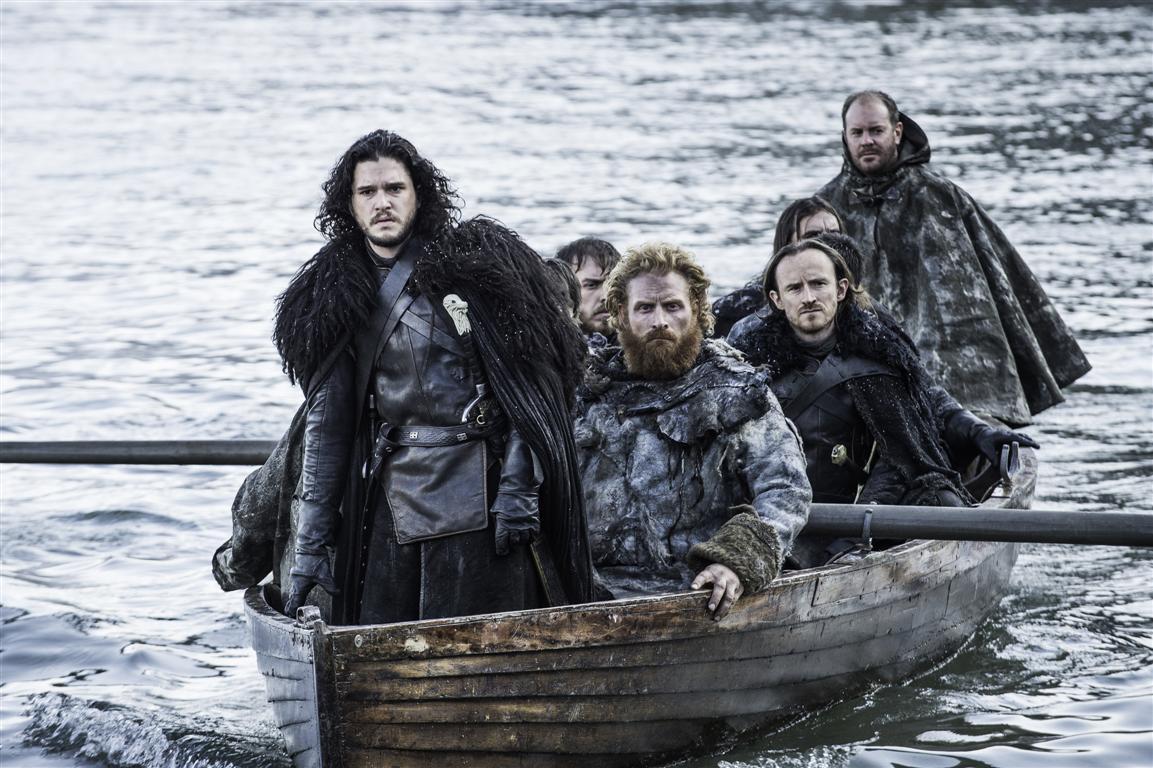 Il trono di spade: Jon Snow (Kit Harington) alla guida un gruppo di guerrieri in Aspra dimora