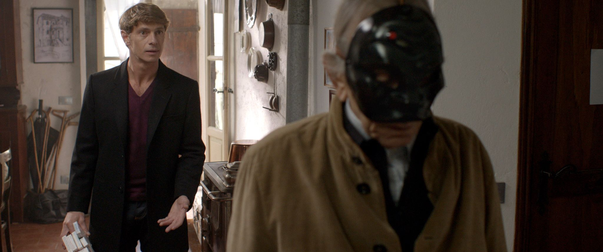 Io, Arlecchino: Giorgio Pasotti con Roberto Herlitzka in un momento del film
