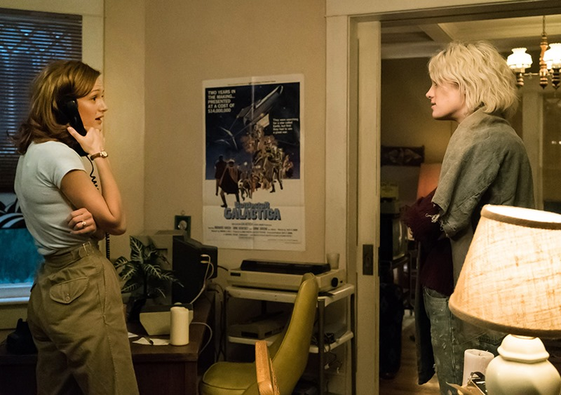 Halt and Catch Fire: le attrici Kerry Bishé e Mackenzie Davis nella puntata intitolata SETI