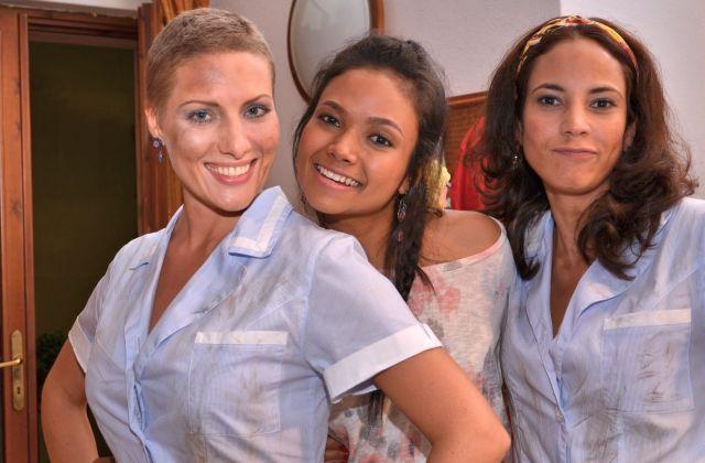 Le badanti: Samantha Castillo, Nadiah M.Din e Anna Jimskaya in una foto promozionale