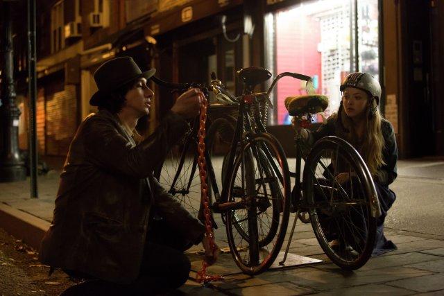 While We're Young: Amanda Seyfried e Adam Driver in una scena