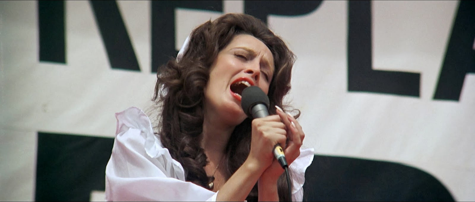 Nashville: Ronee Blakely canta in una scena del film