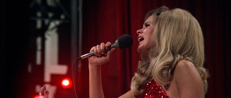 Nashville: Karen Black canta in una scena del film
