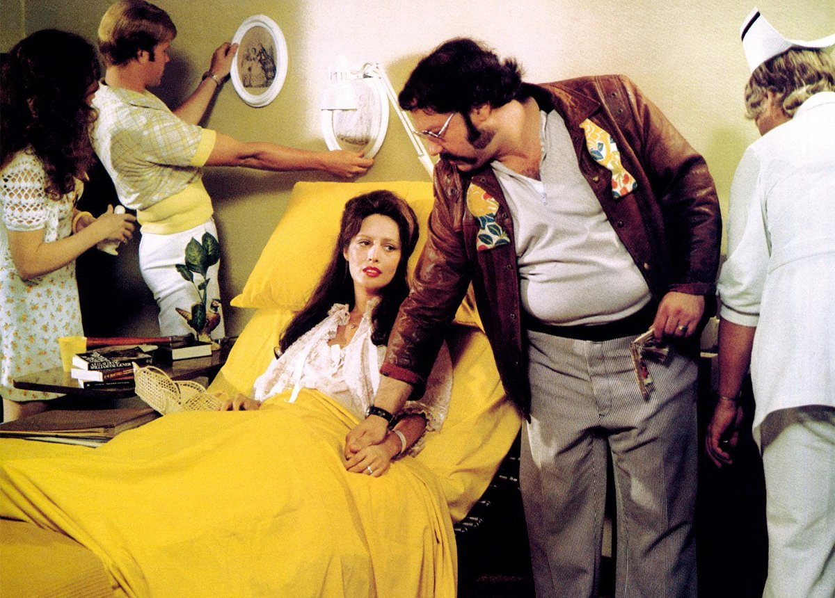 Nashville: Ronee Blakely in ospedale in un'immagine del film