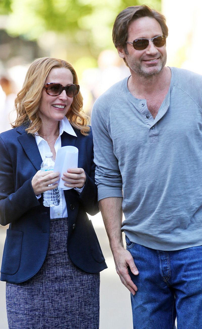 X-Files: Gillian Anderson e David Duchovny in un momento di pausa