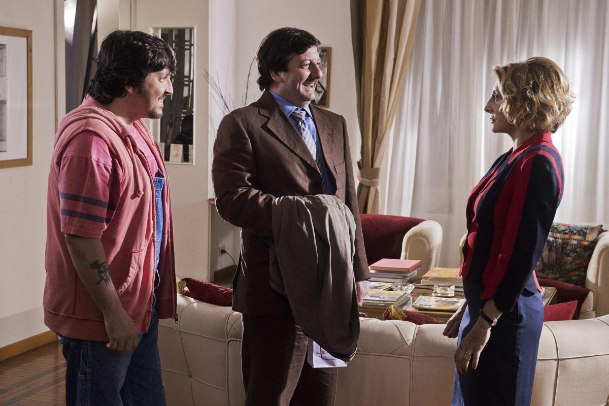 Torno indietro e cambio vita: Ricky Memphis in una scena insieme a Paola Minaccioni e Augusto Fornari