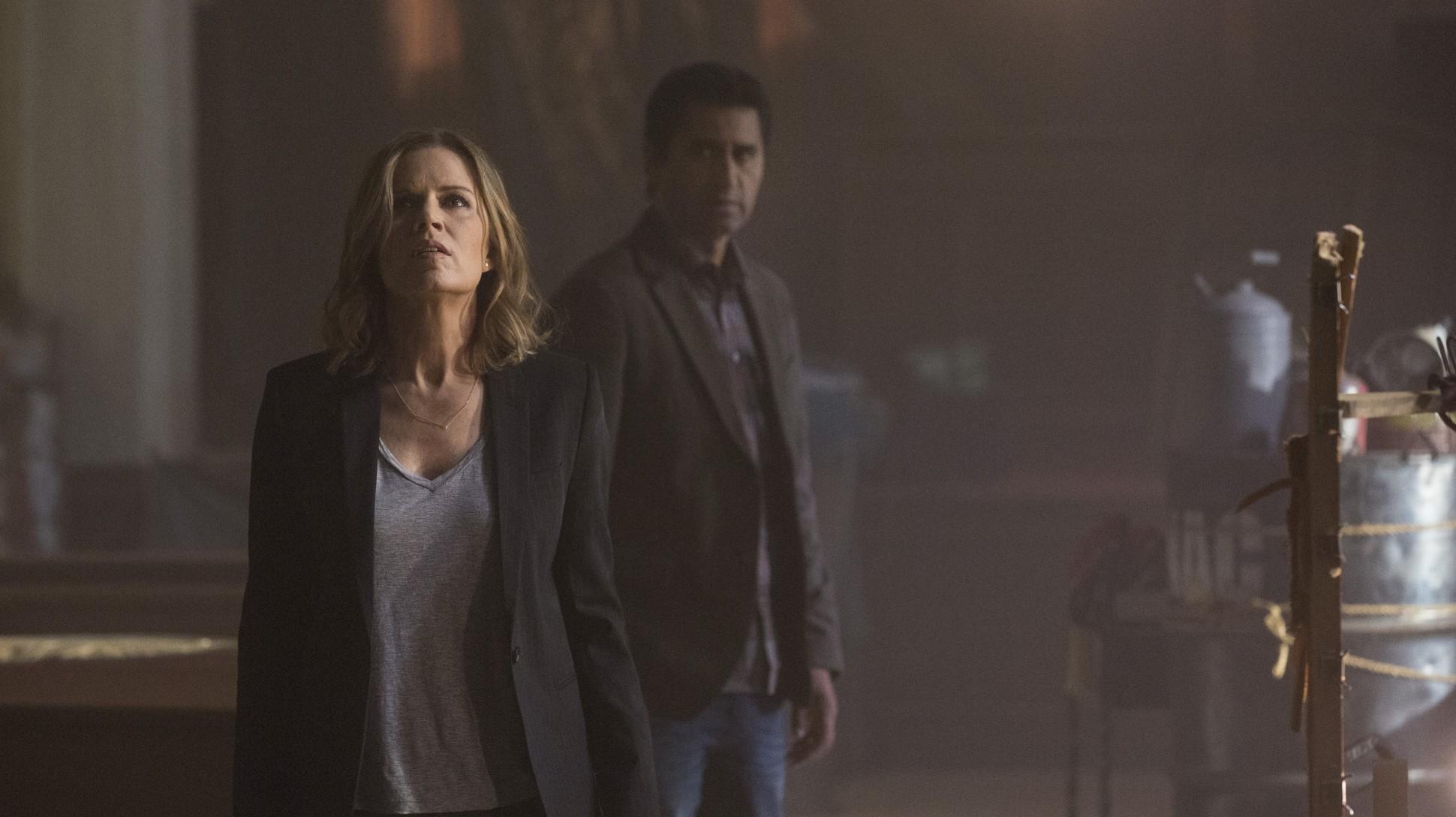 Fear the Walking Dead: Kim Dickens e Cliff Curtis in un'immagine della serie