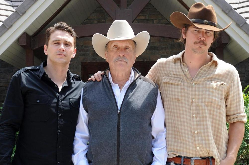 Wild Horses: Robert Duvall con James Franco e Josh Hartnett in una foto promozionale