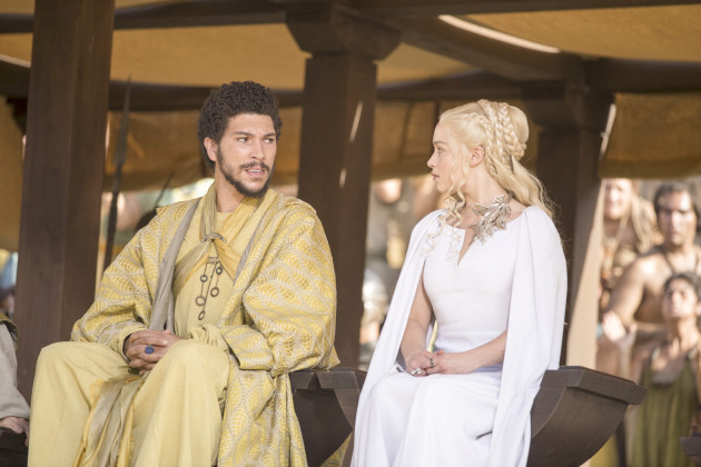 Il trono di spade: Emilia Clarke è Daenerys in La danza dei draghi