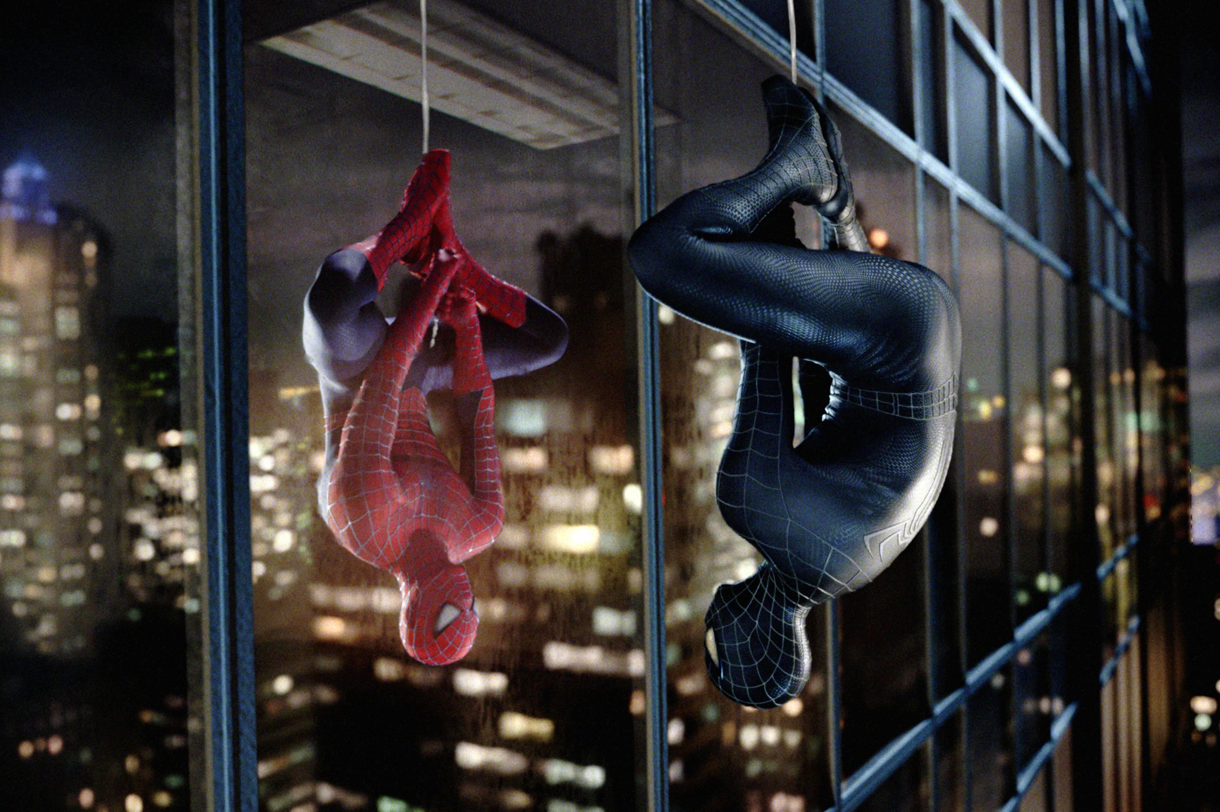 Tobey Maguire in una scena di Spider-Man 3, regia di Sam Raimi