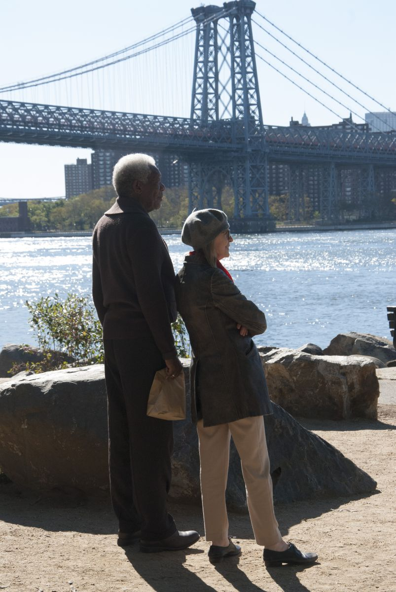 Ruth & Alex - L'amore cerca casa: Morgan Freeman e Diane Keaton in una romantica immagine del film