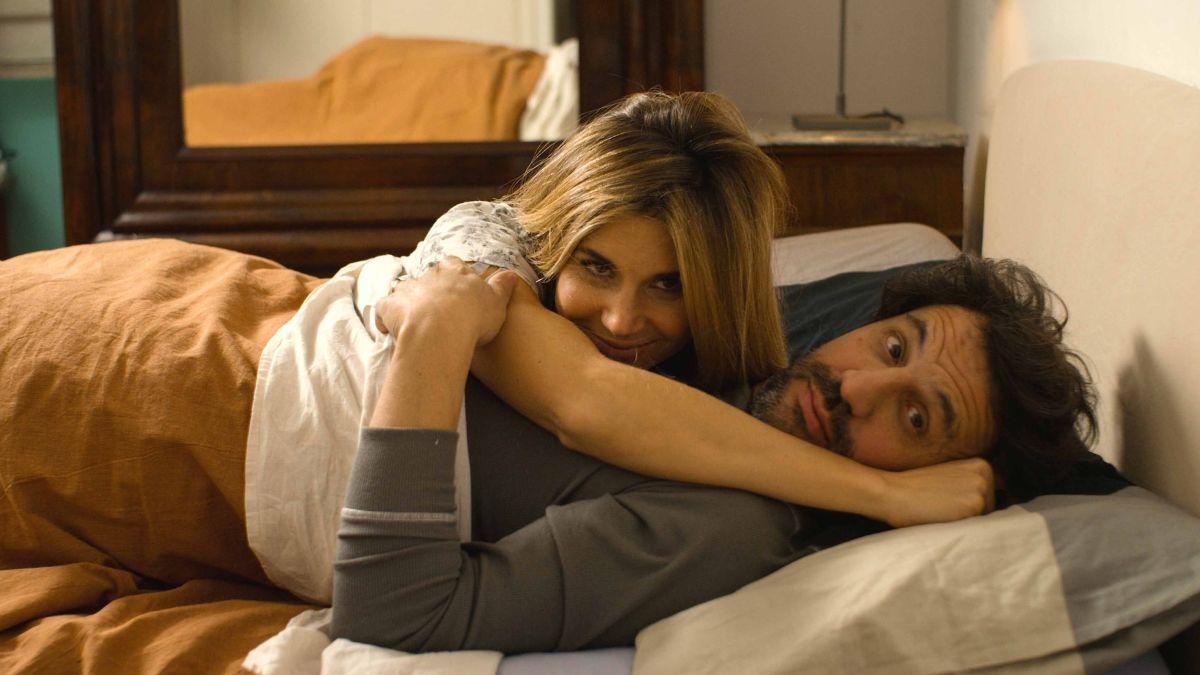 Crushed Lives - Il sesso dopo i figli: Walter Leonardi e Nicoletta Romanoff in una scena del film