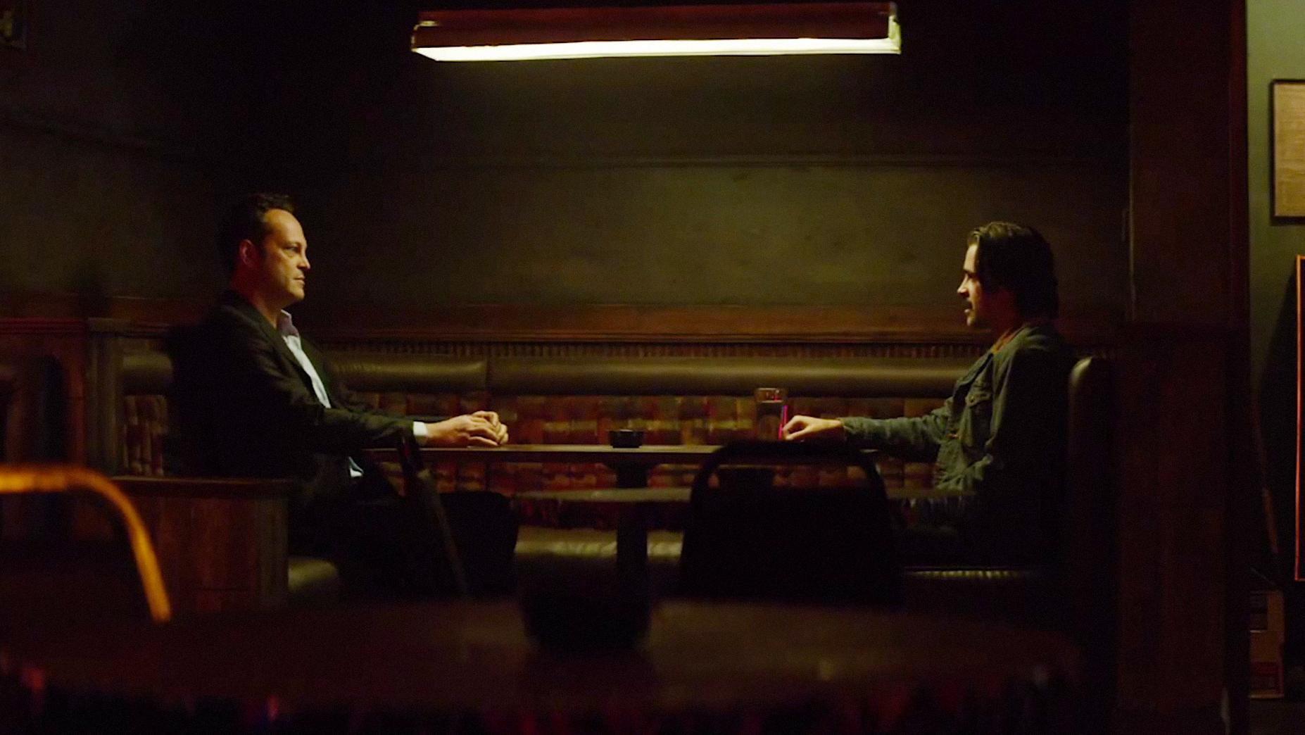 Colin Farrell e Vince Vaughn nel primo episodio della seconda stagione di True Detective, The Western Book of the Dead