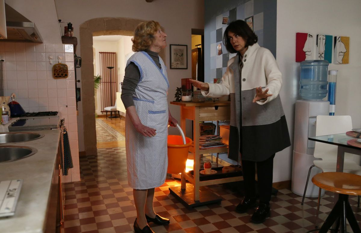 Noi siamo Francesco: Elena Sofia Ricci con Mariolina De Fano in una scena del film