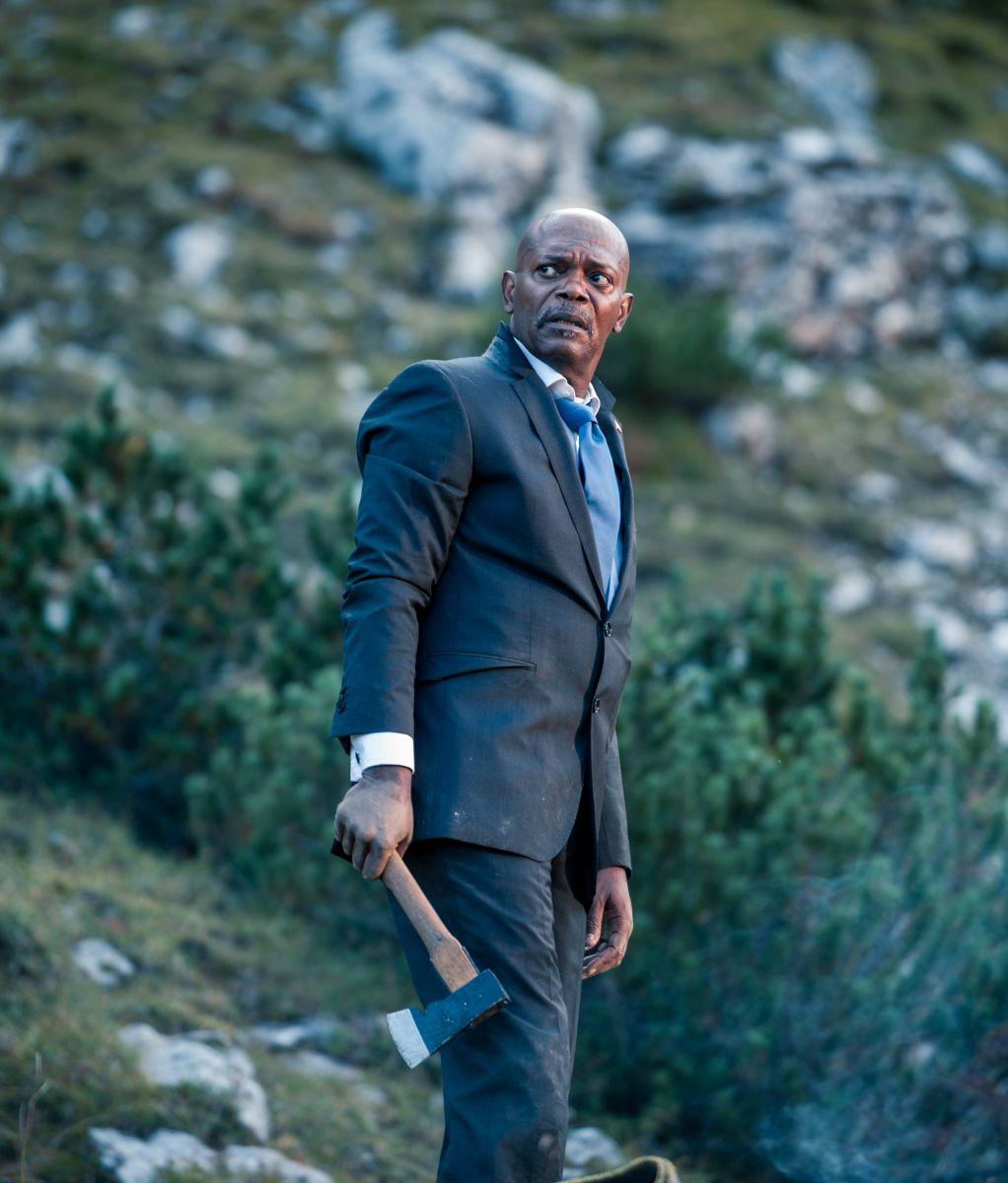 Big Game - Caccia al Presidente: Samuel L. Jackson pronto a difendersi in una scena del film
