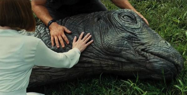 Jurassic World: l'Apatosauro ferito