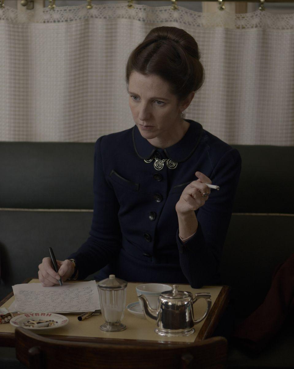 Violette: Sandrine Kiberlain è Simon de Beauvoir in una scena del film