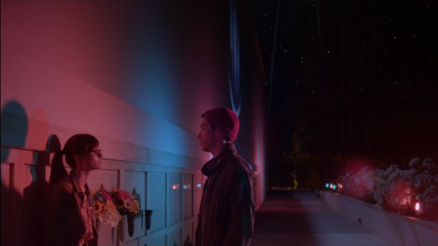 Comet: Emmy Rossum e Justin Long in una scena