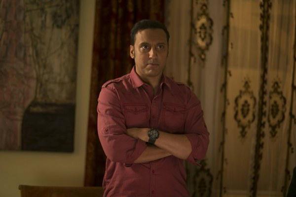 The Brink: l'attore Aasif Mandvi in una scena del pilot