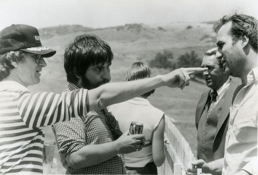 Poltergeist: Spielberg e Hooper sul set con i protagonisti