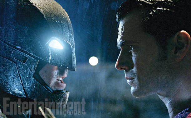 Batman v Superman: Dawn of Justice - Ben Affleck e Henry Cavill si affrontano in un momento del film