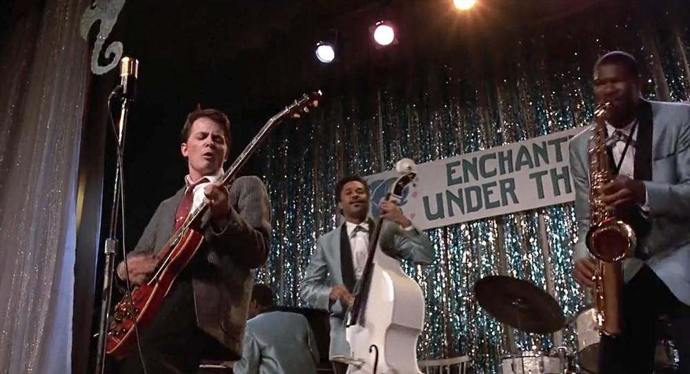 Ritorno al futuro: Michael J. Fox si esibisce in Johnny B Goode