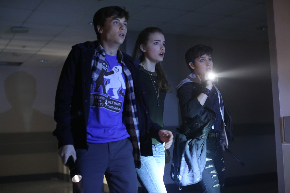 Scream: John Karna, Willa Fitzgerald e Bex Taylor-Klaus in Red Roses