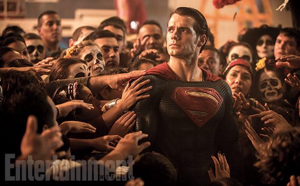 Batman v Superman: Dawn of Justice - Henry Cavill è Superman nel film diretto da Zack Snyder
