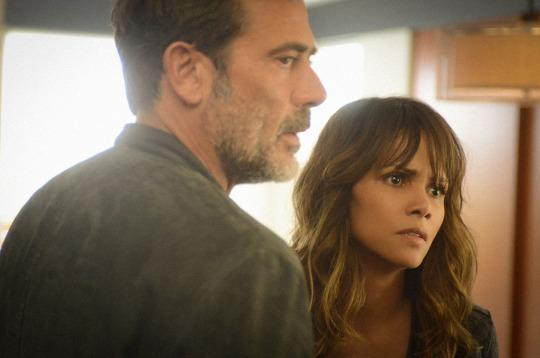 Extant: Jeffrey Dean Morgan e Halle Berry in Change Scenario