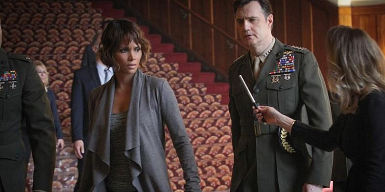 Extant: Halle Berry e David Morrissey in Change Scenario