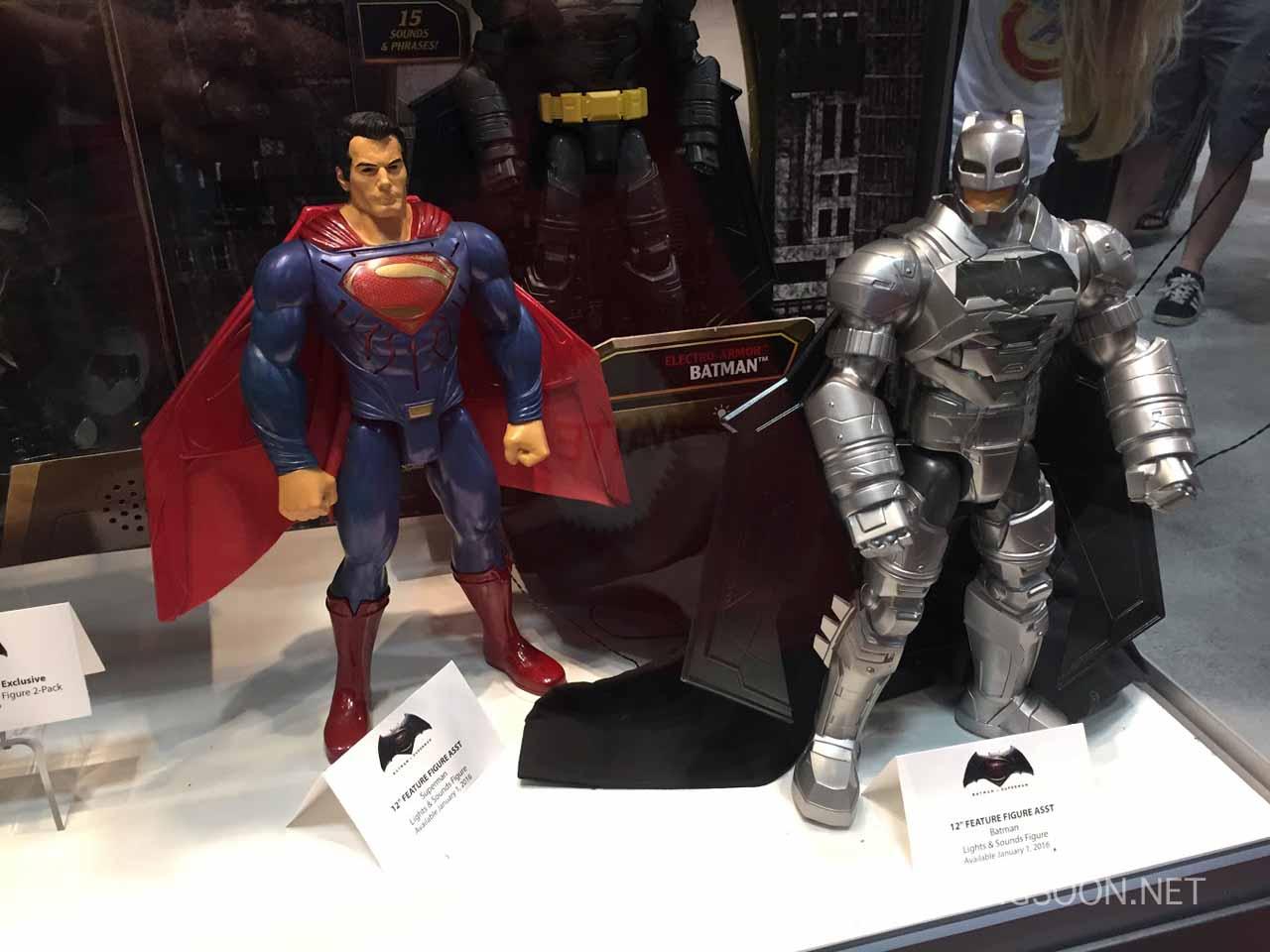 Batman v Superman: Dawn of Justice - I modellini di Batman e Superman