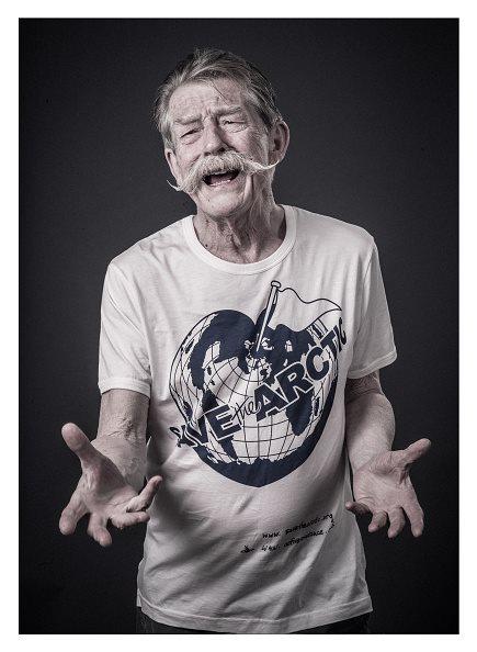 Save the Arctic: l'attore John Hurt in uno scatto della campagna