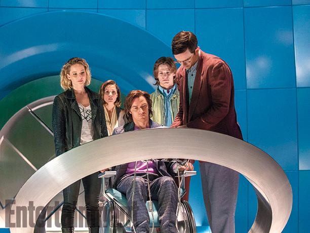 X-Men: Jennifer Lawrence, James McAvoy e Nicholas Hoult in una scena del film