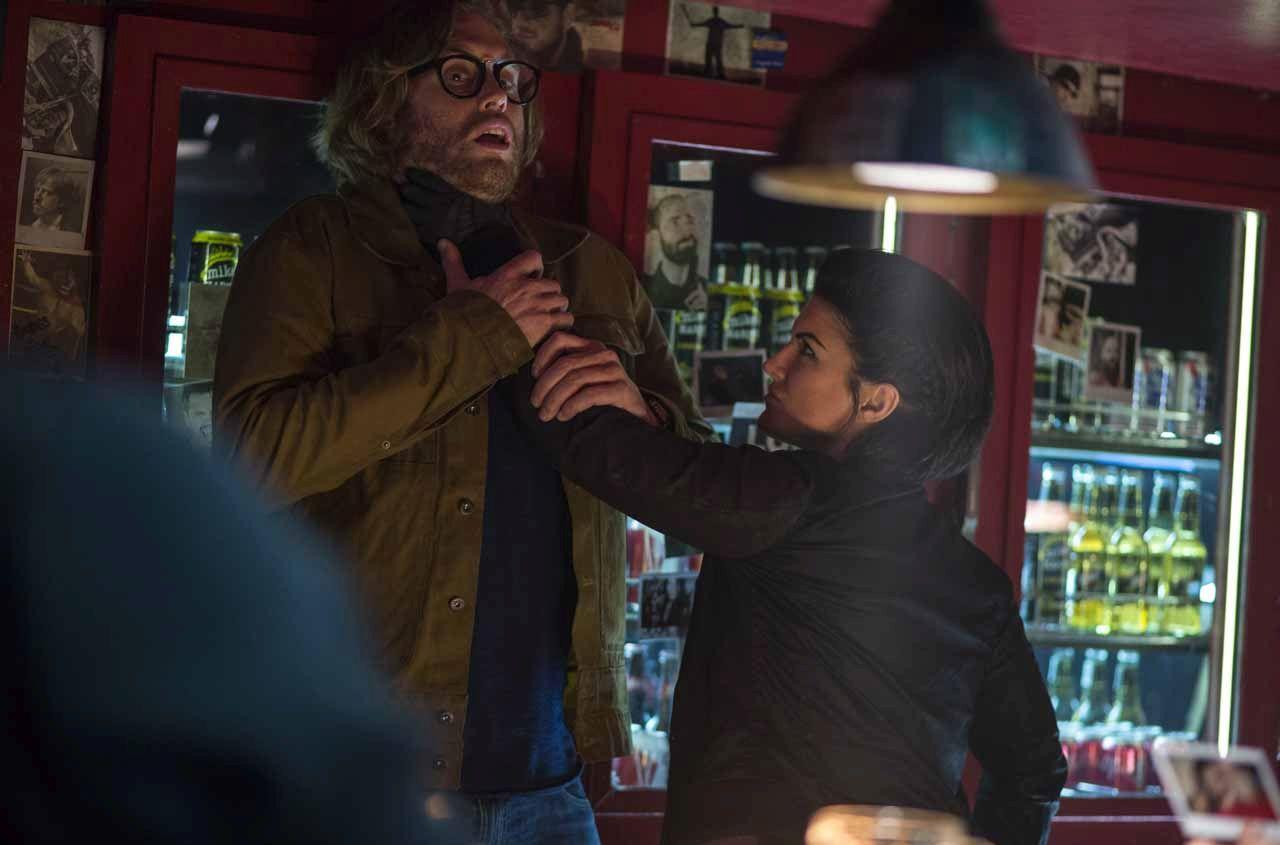 Deadpool: Gina Carano appende T.J. Miller al muro