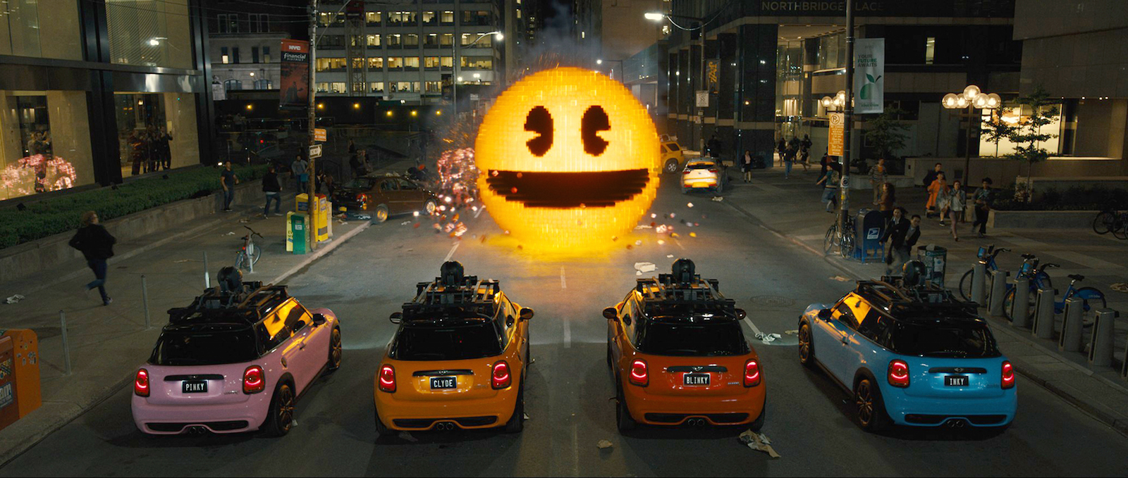 Pixels: faccia a faccia con Pac Man