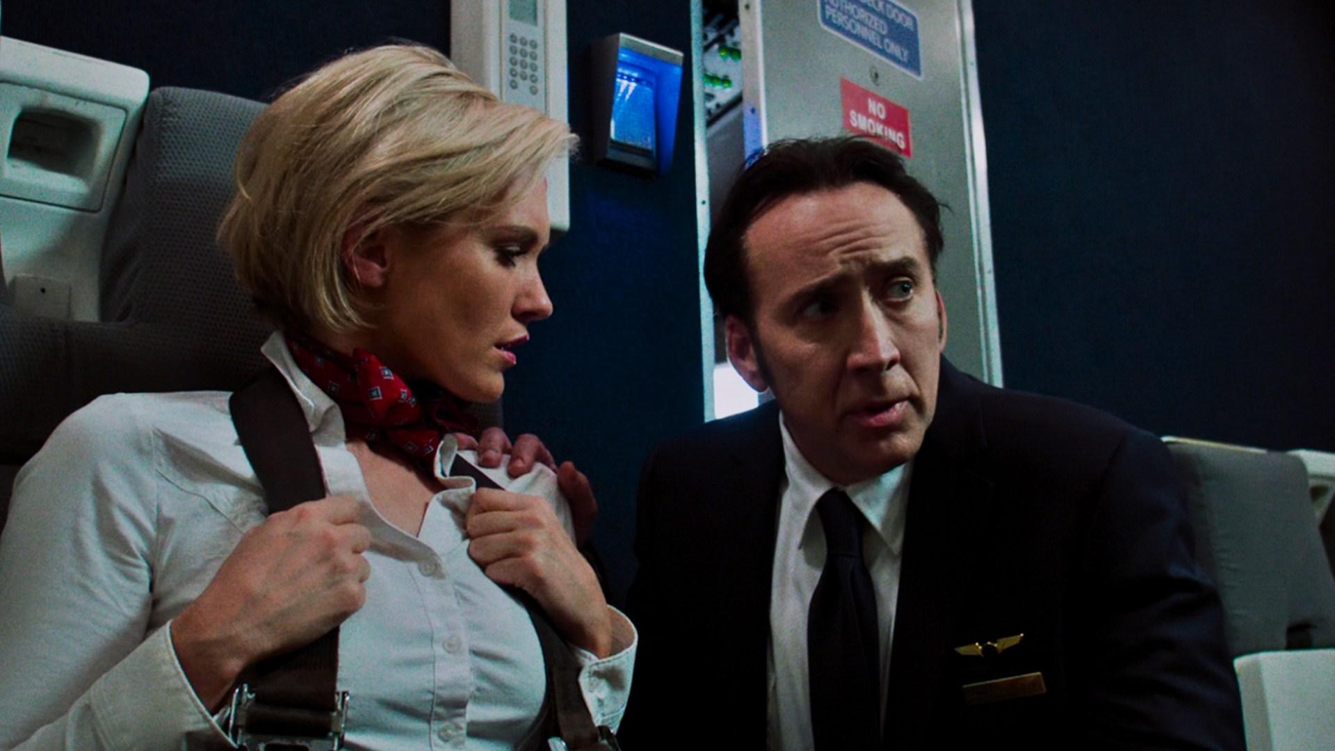 Left Behind - La profezia: Nicolas Cage e Nicky Whelan in una scena del film