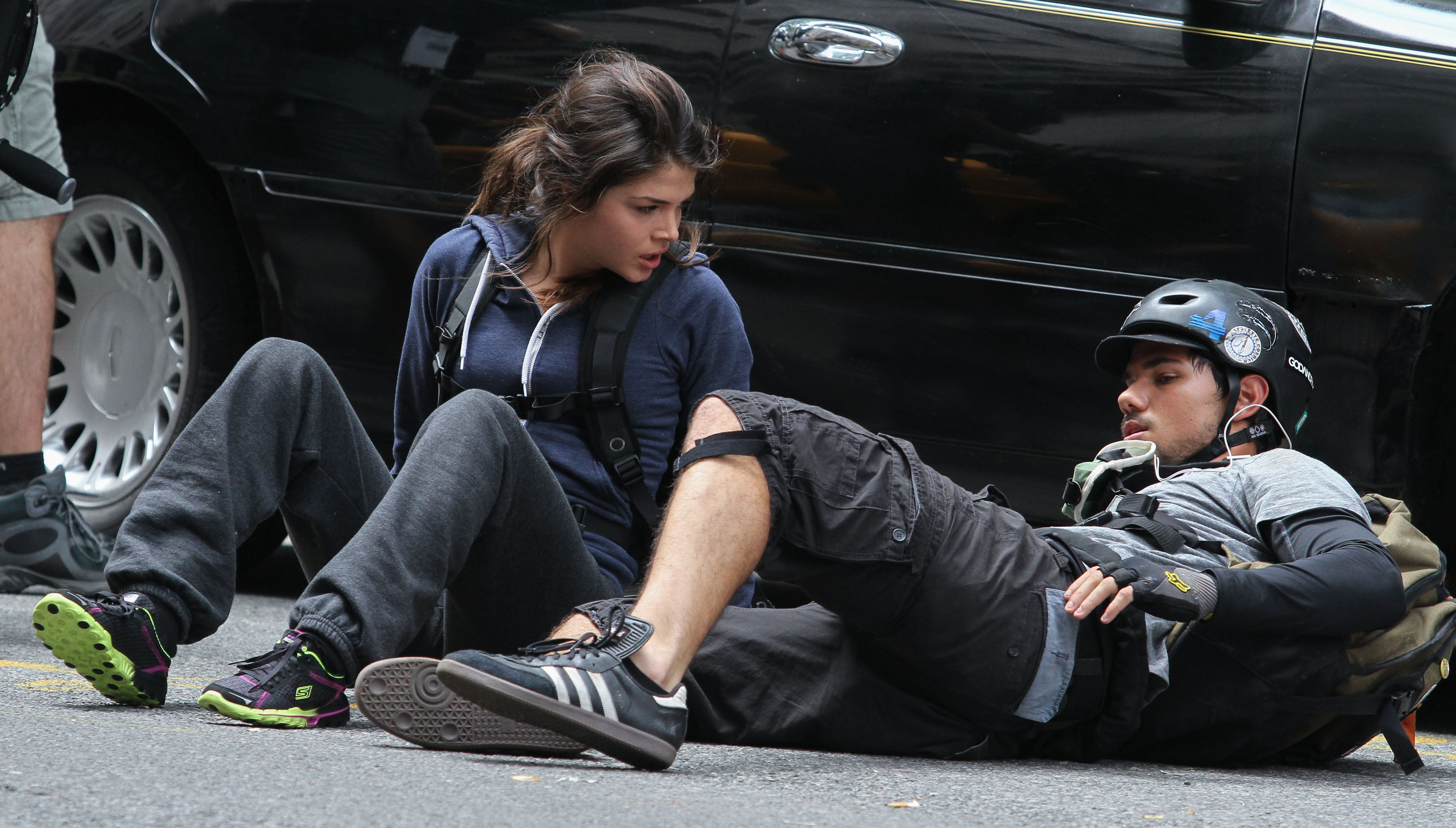 Tracers: Taylor Lautner e Marie Avgeropoulos