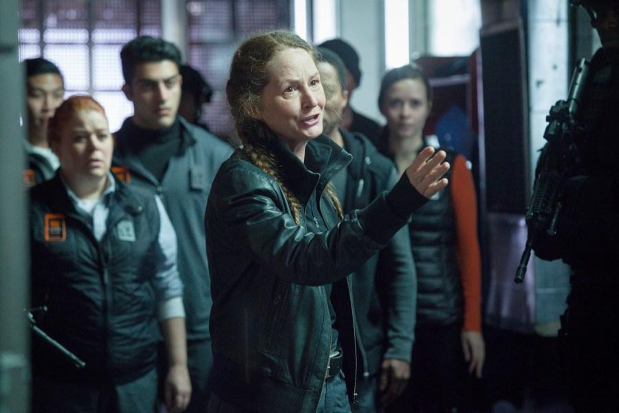 Wayward Pines: Melissa Leo nel season finale Un nuovo inizio