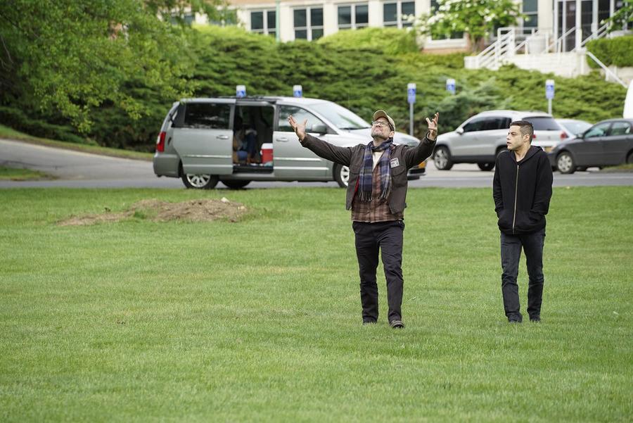Mr. Robot: gli attori Christian Slater e Rami Malek in 3xpl0its.wmv