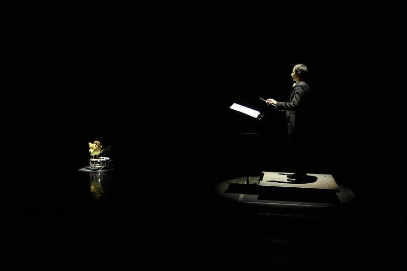 Asino vola: Luigi Lo Cascio in una scena del film
