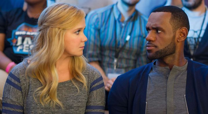 Un disastro di ragazza: Amy Schumer e LeBron James si fissano