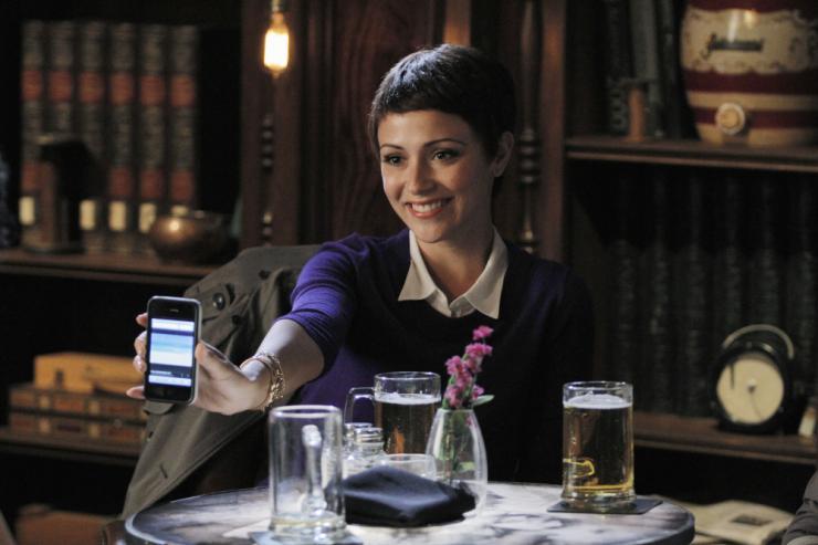 Chasing Life: la protagonista Italia Ricci in una scena della seconda stagione