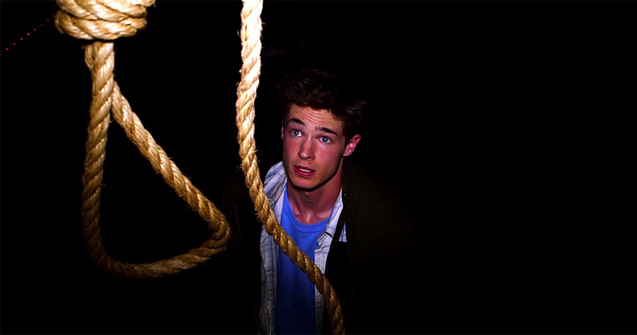 Reese Mishler in un'inquietante immagine di The Gallows - L'esecuzione