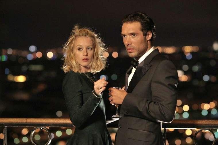 Love Is in the Air - Turbolenze d'amore: Ludivine Sagnier e Nicolas Bedos in un'immagine notturna del film