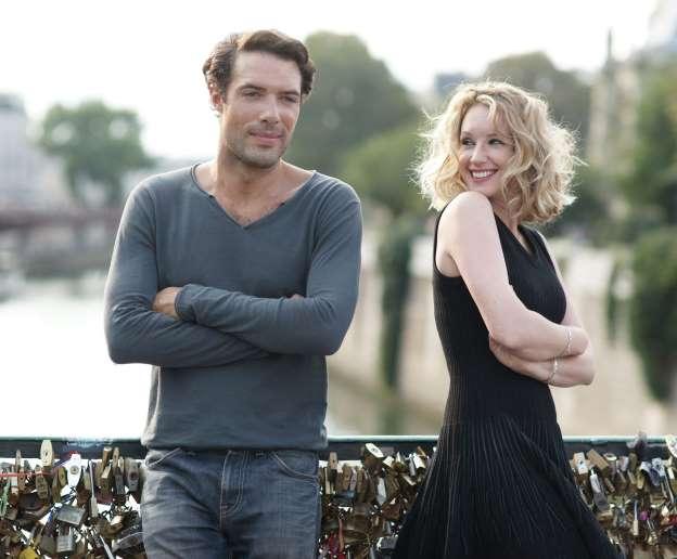 Love Is in the Air - Turbolenze d'amore: Nicolas Bedos e Ludivine Sagnier divertiti in una scena del film