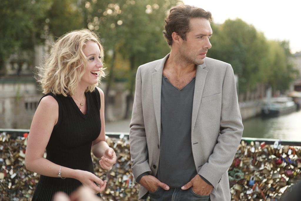 Love Is in the Air - Turbolenze d'amore: Ludivine Sagnier e Nicolas Bedos in un'immagine tratta dal film