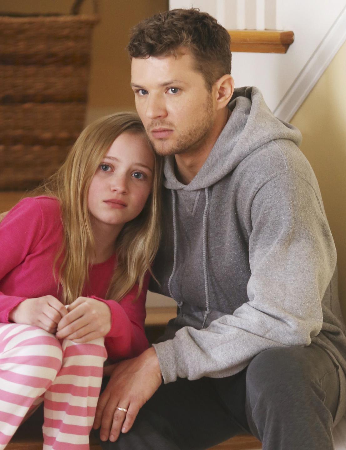 Secrets and Lies: Belle Shouse e Ryan Phillippe in una scena della serie